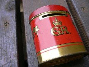 画像1: ヴィンテージ OXO缶1957年戴冠式貯金箱